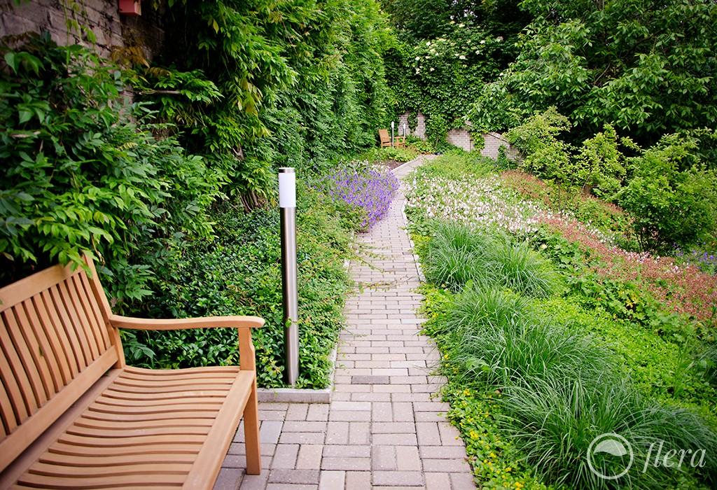 zahrada ve svahu2